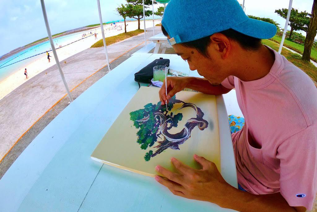 ZiNがよく絵を描く沖縄のトロピカルビーチは最強に居心地いいので皆来たらいいじゃない。